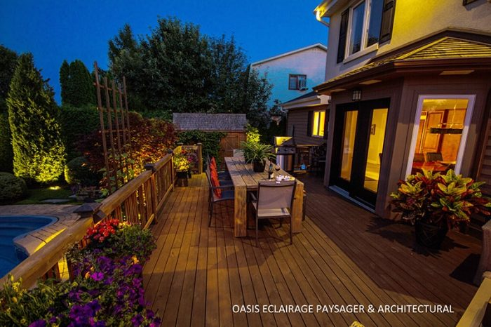 deck patio extérieur le soir