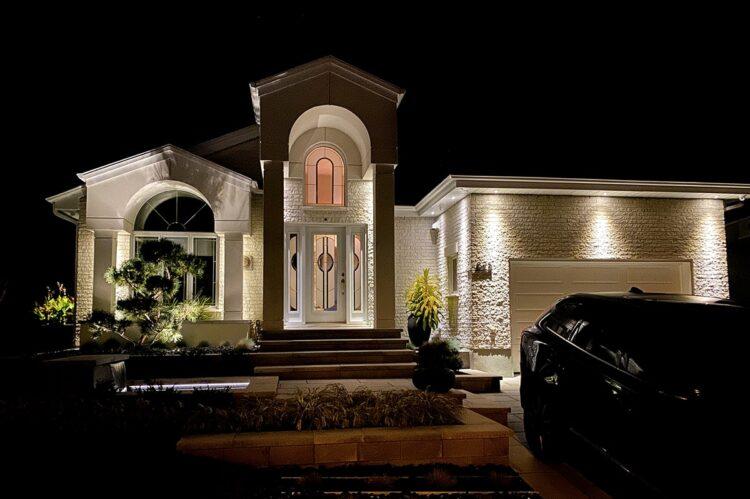 eclairage-architectural-exterieur-entree-garage