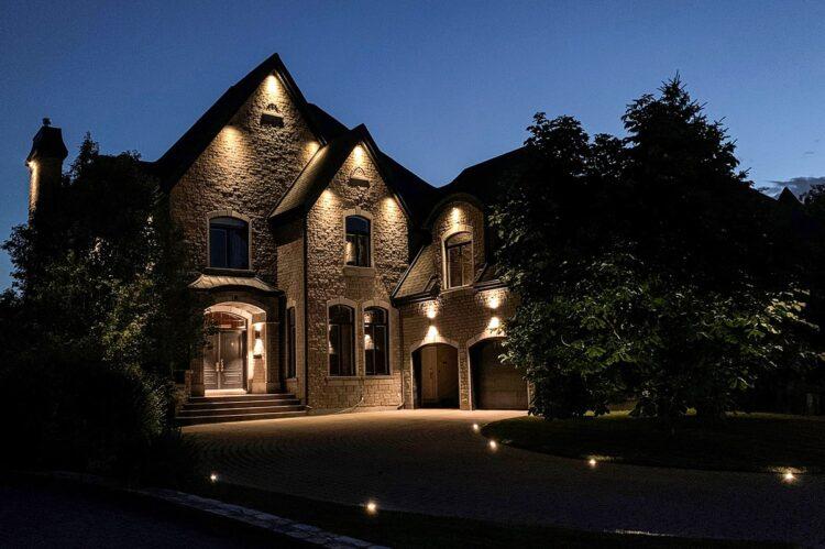 eclairage-design-maison-exterieur