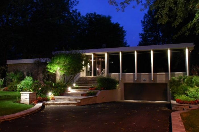 garage et entrée avec lumière soir