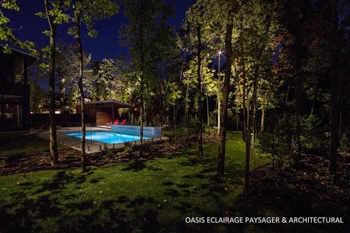 lumière piscine vue de loin